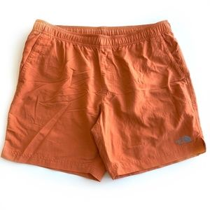 The North Face Men's Shorts Size Large Linear